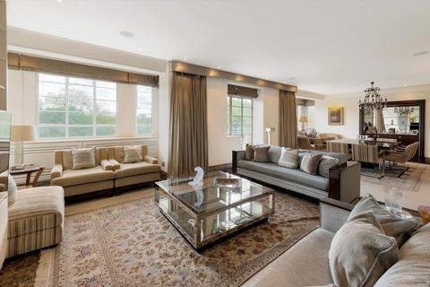 3 bedroom flat for sale - Princes Gate, London, SW7