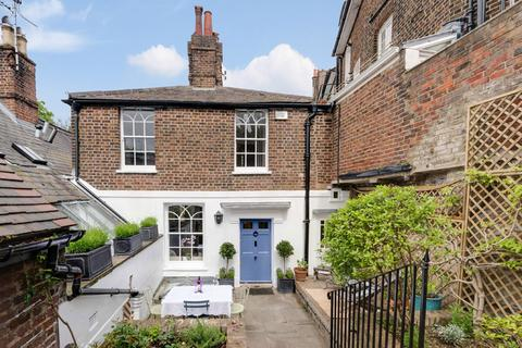 3 bedroom cottage for sale - Holly Mount, London NW3