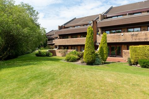 3 bedroom apartment for sale - 6 Larchfield Court, Newton Mearns, G77 5PL