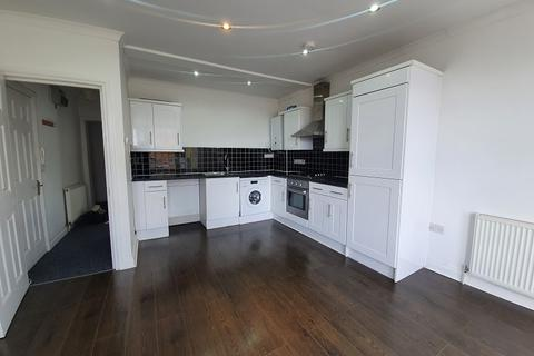 2 bedroom flat to rent - Hainault Road, London, Greater London. E11