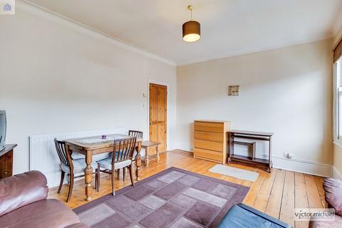 2 bedroom flat to rent - Nightingale Lane, London, Greater London. E11