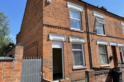3 bedroom terraced house to rent - Oban Street,  Leicester, LE3