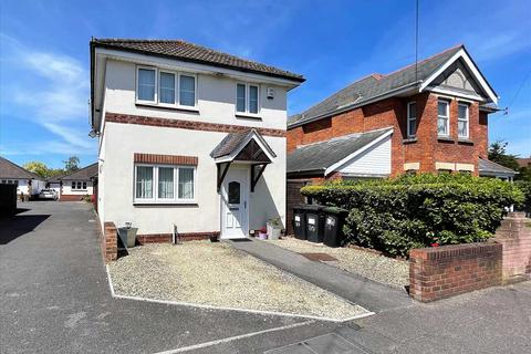 3 bedroom detached house for sale - Coombe Avenue, Bournemouth