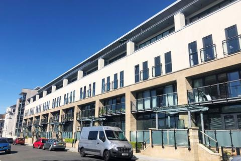 2 bedroom flat to rent - Grande Hotel Road, The Hoe, Plymouth, PL1