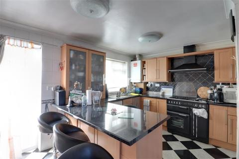 House share to rent - Mansell Road Greenford UB6