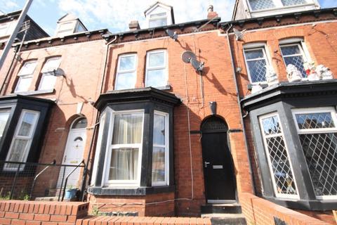 Studio to rent - Camberley Street, Beeston, Leeds, LS11 6JN