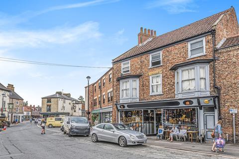 2 bedroom terraced house for sale - Market Street, Pocklington, York