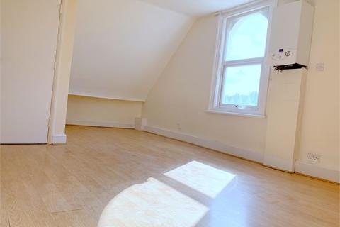 Studio to rent - Halesworth Road, Lewisham, London,