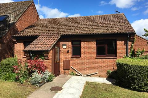 2 bedroom detached bungalow for sale - Exeter Gardens, Bourne