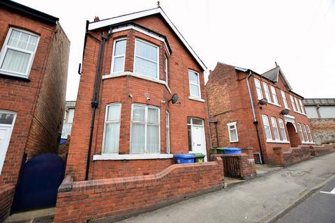 Semi detached house for sale - Trafalgar Road, Scarborough