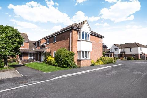 2 bedroom retirement property for sale - Grange Close North, Henleaze