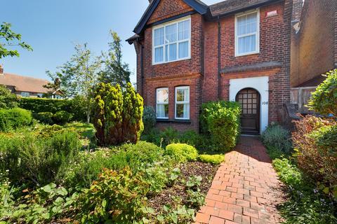 4 bedroom detached house for sale - Dumpton Park Drive, Ramsgate, CT11