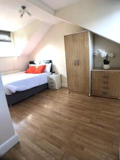 1 bedroom in a house share to rent - Horn Lane, Acton, London, W3 0BU