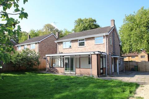 4 bedroom detached house to rent - Leckhampton Road , Cheltenham , Gloucestershire
