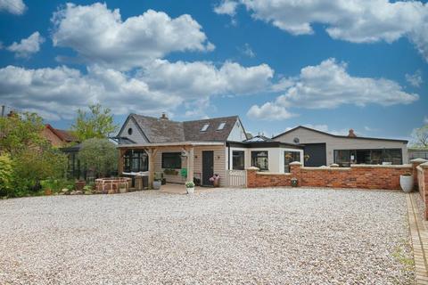 4 bedroom detached bungalow for sale - Cheswardine, Market Drayton