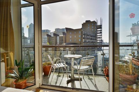 2 bedroom apartment to rent - DUNBAR WHARF, NARROW STREET E14