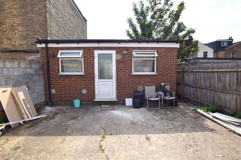 1 bedroom flat to rent - Garden Annex,Westerham Road, Leyton, London