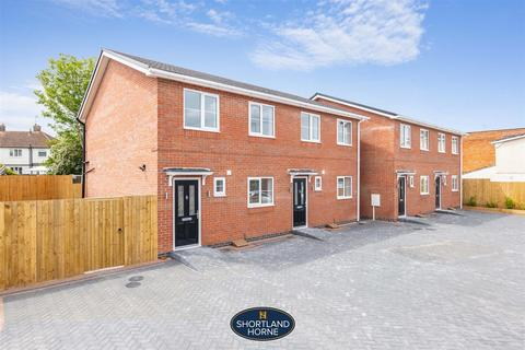 3 bedroom semi-detached house for sale - Rugby Road, Bulkington, Bedworth