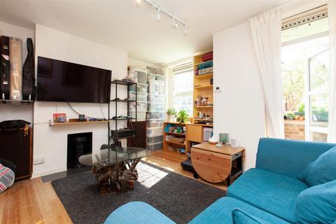 2 bedroom flat for sale - Cazenove Road, Stoke Newington, N16