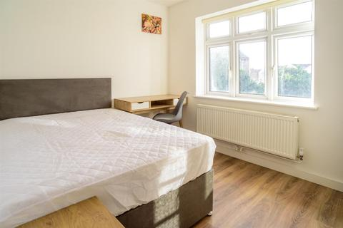 1 bedroom in a house share to rent - ROOM 4 *£130pppw* Queens Road East, Beeston, NG9 2GS - UON