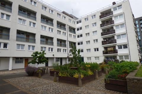 3 bedroom duplex for sale - Llewellyn Street, London
