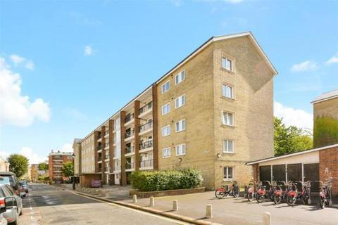 3 bedroom flat to rent - Wellington Row, London
