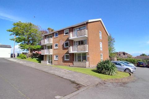 2 bedroom flat for sale - Groves Avenue, Langland, Swansea