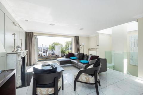 3 bedroom penthouse for sale - Beaufort Gardens, Knightsbridge, London