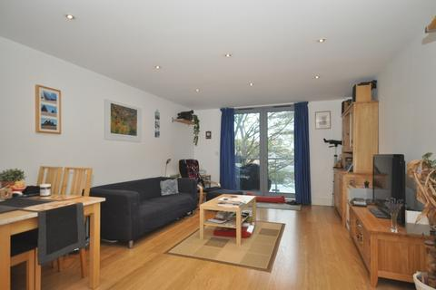 2 bedroom flat to rent - Whytecliffe Road South Purley CR8