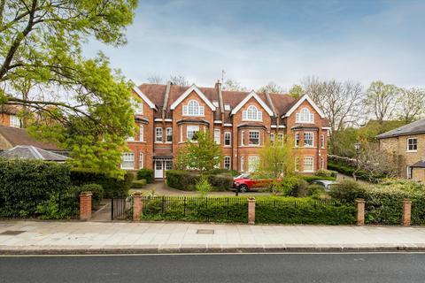 2 bedroom flat for sale - Windsor Court, Platts Lane, London, NW3