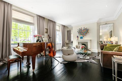 4 bedroom flat for sale - Eaton Square, SW1W