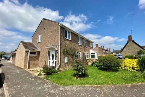 3 bedroom semi-detached house to rent - St James Close, Hanslope, Milton Keynes, MK19