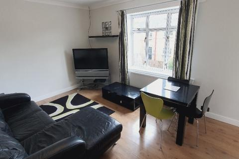 3 bedroom terraced house to rent - Broomfield Crescent, Carrick Knowe, Edinburgh, EH12