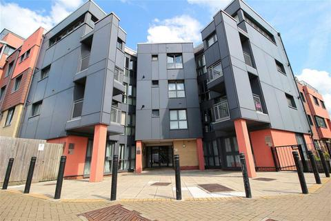 Studio for sale - Bramley Crescent, Gants Hill, Gants Hill