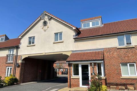 2 bedroom apartment to rent - Friars Rise, Whitley Bay.  NE25 9BA