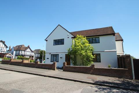 4 bedroom detached house to rent - Beresford Drive, Woodford Green