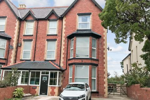 2 bedroom ground floor flat to rent - St. George Road, Abergele