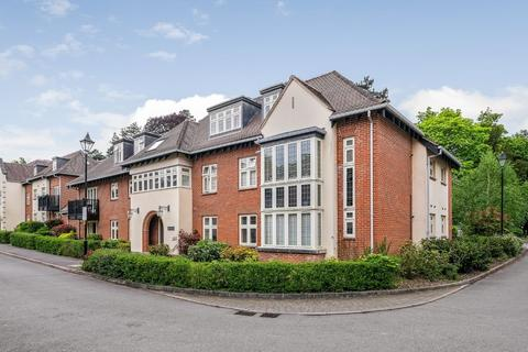 2 bedroom apartment for sale - Queens Lodge, Highcroft Road, Winchester, SO22