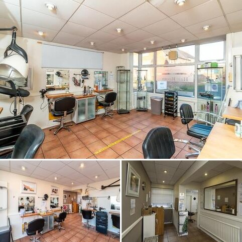 End of terrace house to rent - High Street, Kegworth