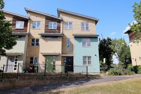 4 bedroom house to rent - Pinewood Walk, Cheltenham,