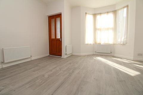 3 bedroom terraced house to rent - Gordon Road, Belvedere, DA17