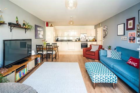 2 bedroom flat for sale - Greenland Place, Surrey Quays, SE8