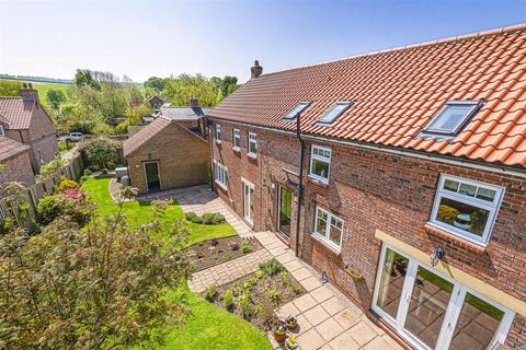 4 bedroom detached house for sale - The Stables, Low Farm Court, Kirby Grindalythe, Malton, North Yorkshire YO17 8DJ