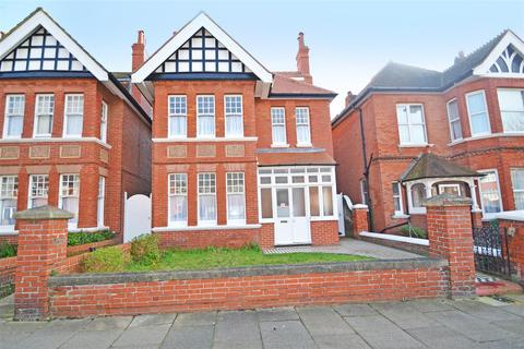 6 bedroom house to rent - Vallance Gardens, Hove, BN3 2DB