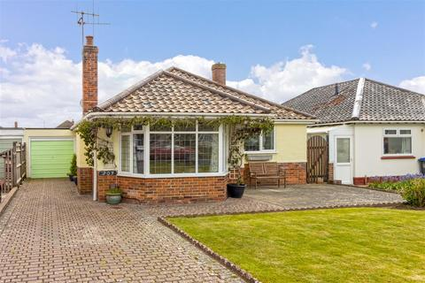 2 bedroom detached bungalow for sale - Goring Way, Worthing