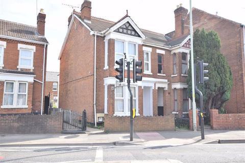 4 bedroom semi-detached house for sale - Barton Street, Gloucester, GL1