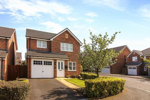 3 bedroom detached house for sale - Briar Vale, Whitley Bay