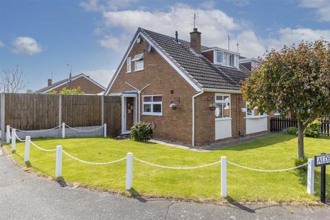 3 bedroom semi-detached house for sale - Laverstock Road, Wigston