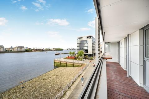 3 bedroom apartment for sale - Dowells Street Greenwich SE10