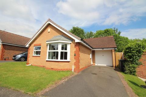 2 bedroom detached bungalow for sale - Avenbury Drive, Solihull, B91